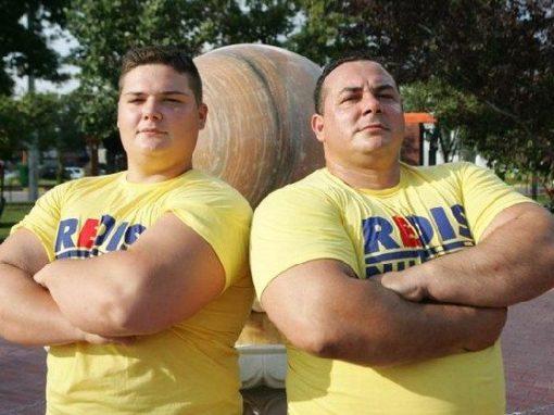 Paul Pirjol – record national de ridicari de la umar cu gantera de 60 de kilograme