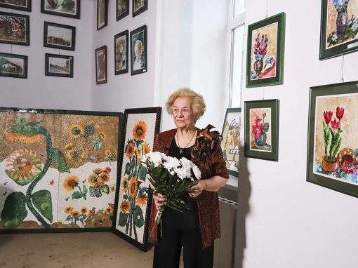 Niculina Posan – cel mai mare tablou mozaic din coji de oua – 3,5×1,4m